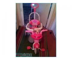 Детский трехколесный велосипед в Макеевке