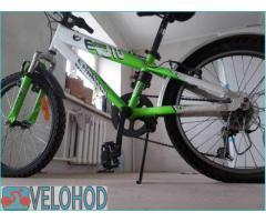 Comanche Moto Six 20